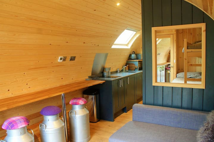 Corrie Cabin with hot tub