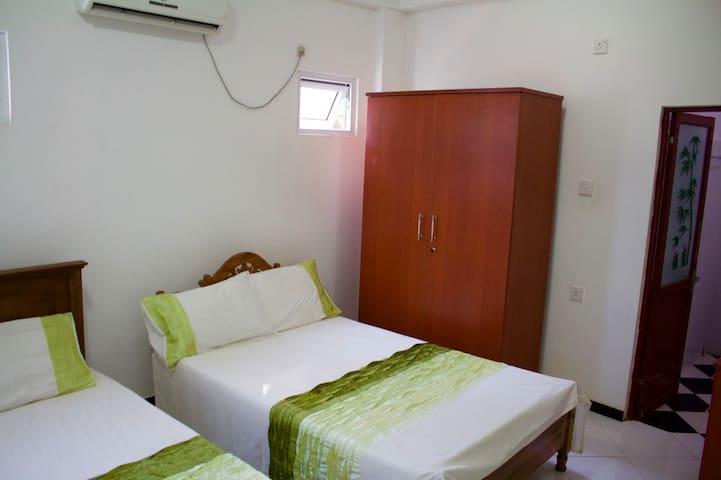 Room 2 - AC, shower room - Kataragama - House