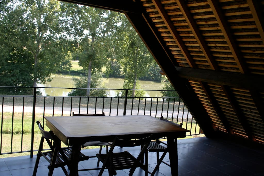 The terrace overlooking the lake