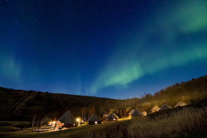 Arctic Cabins 7