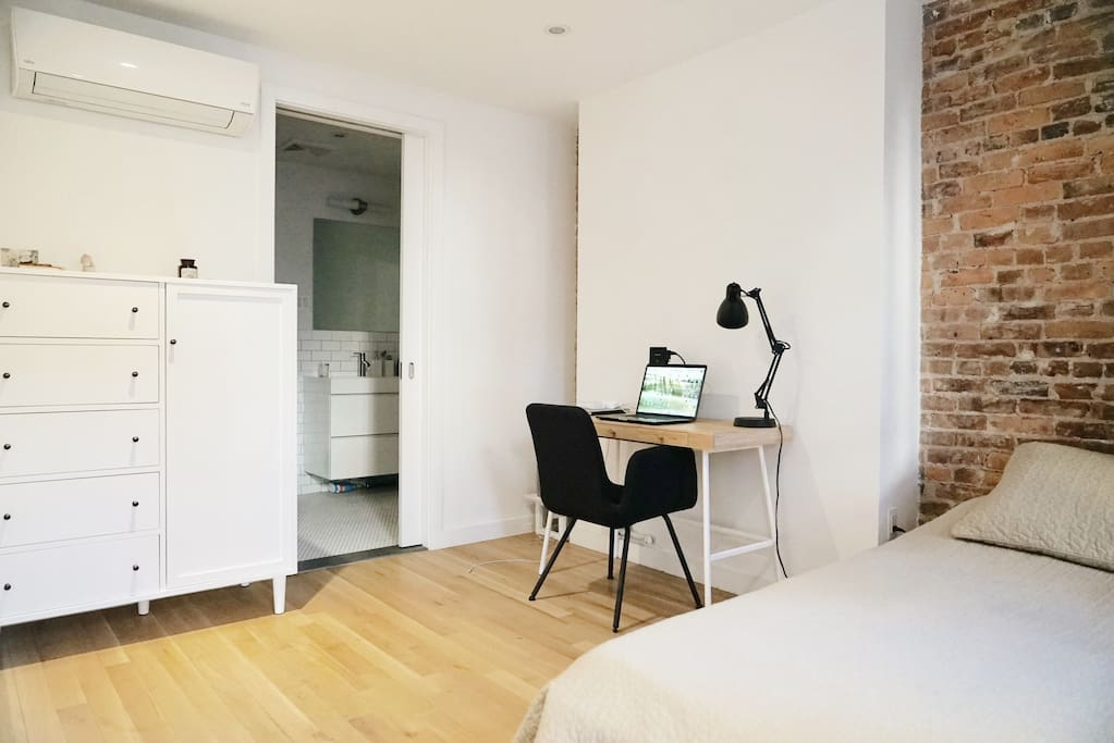 Private renovated room with your own bathroom townhouses for rent in brooklyn new york for Rooms for rent in nyc with private bathroom