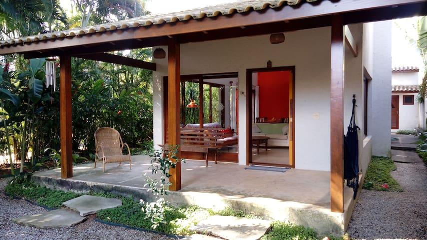 Barra do Una-Praia, mar, rio e uma casa deliciosa - São Sebastião - บ้าน