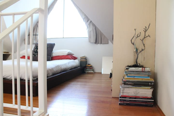 Gorgeous writer's loft in the heart of Newtown - Newtown