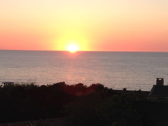 Incantevole affaccio sul mare - Costa Paradiso - House