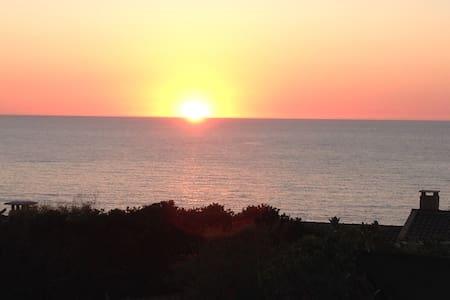 Incantevole affaccio sul mare - Costa Paradiso - Rumah