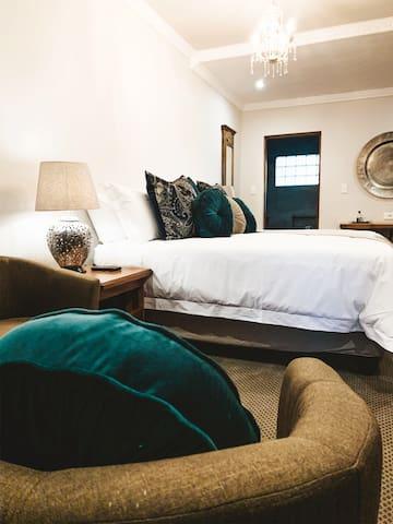Danlee Overnight Accommodation - Luxury Room