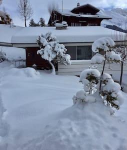 Schönes Ferienchalet wochenweise zu vermieten - Adelboden - Talo