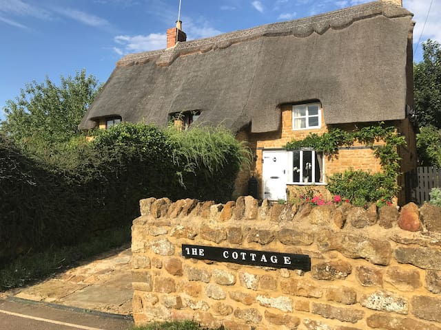 The Cottage, Drayton, North Cotswolds, Spa retreat