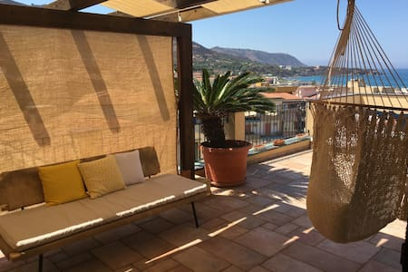 Full-floor penthouse in the Old Town