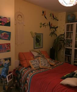 chambre lit 140 dans maison de famille