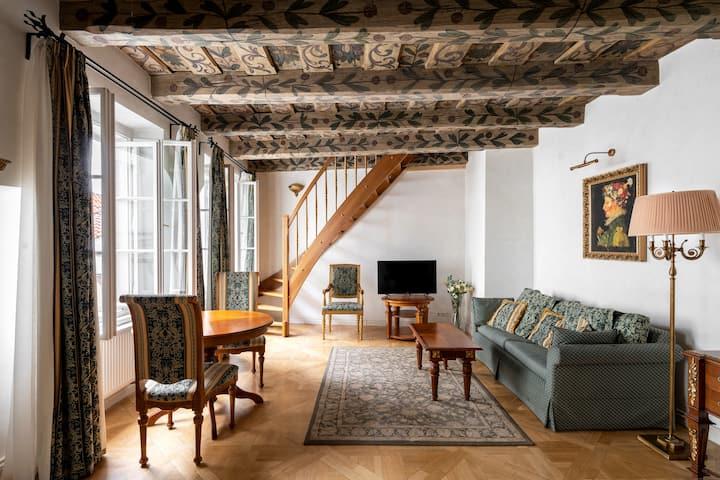 Historic Maisonette Family Suite in Malá Strana