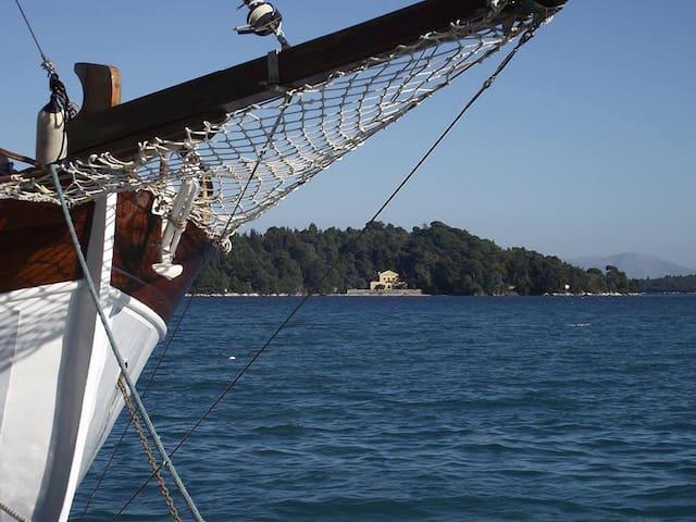 Nikolaos studios natur & sea view :-)
