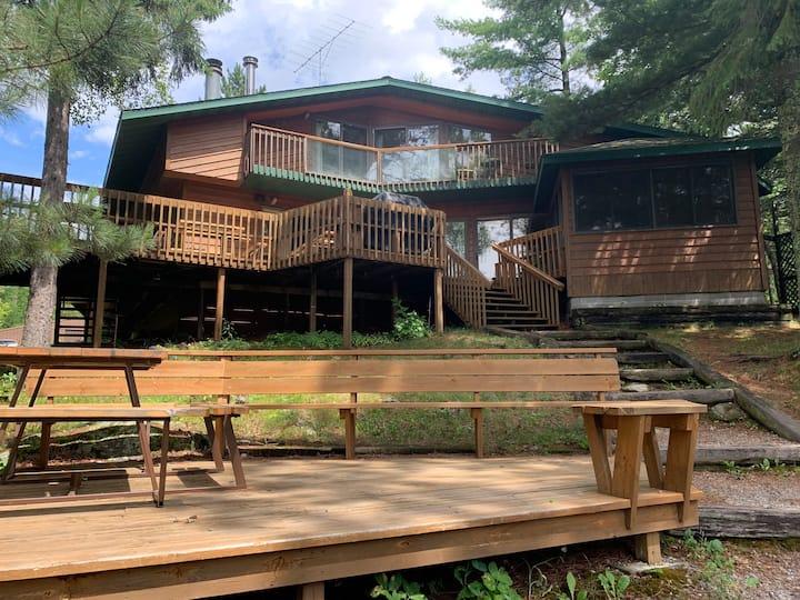 The Boathouse: Luxury Cabin on Lake Vermilion