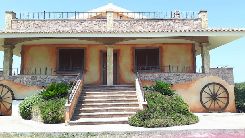 villa in piena campagna - Olmedo - Flat