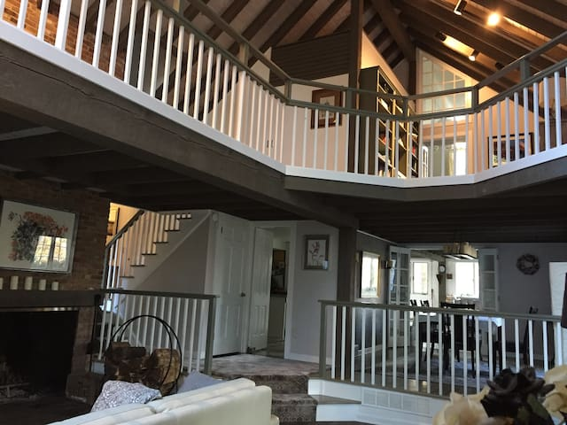 French Country Chic Room minutes from Princeton - Montgomery