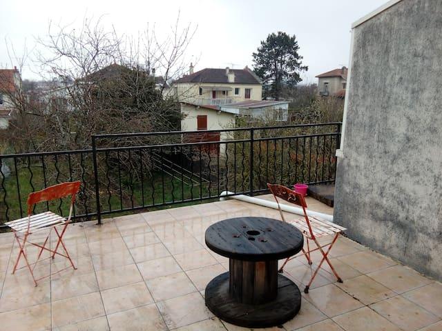 Chambre/salon à Poitiers