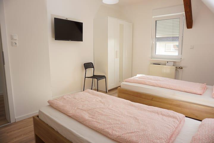 Gründauer Schlafstub - Zimmer f. 2 Personen M4