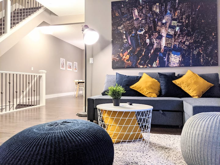 ENTIRE❤︎NEW! Modern TOWNHOUSE with Double garage