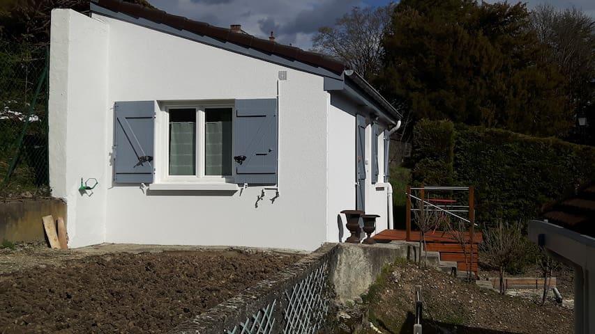 La maisonnette façade ouest