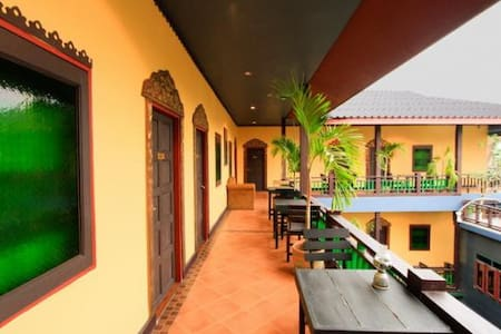 Lanna Style 3km to old city - Mueang Chiang Mai - Bed & Breakfast - 2