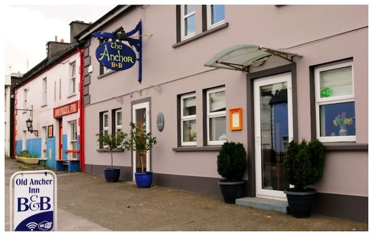 The Old Anchor Inn B&B, Annascaul. - Anascaul - Bed & Breakfast
