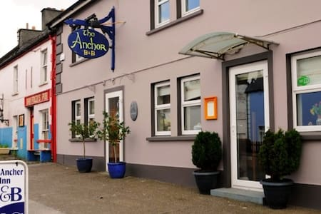 The Old Anchor Inn B&B, Annascaul.