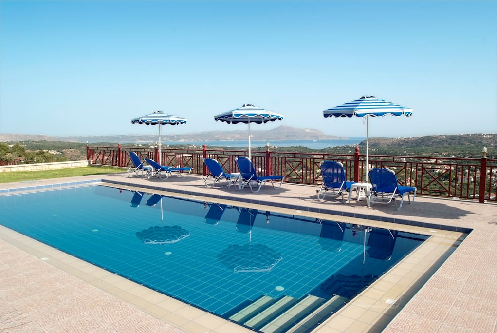 Private pool ( 10x4m,depth 1,80 m) with sunloungers and umbrellas