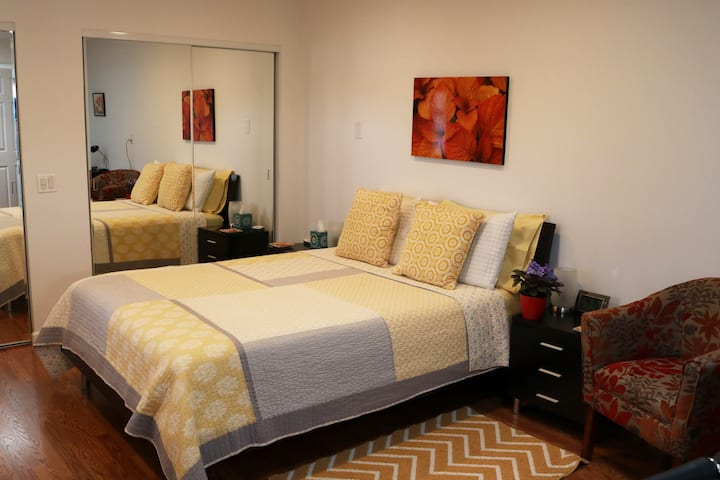 79902  Private, Comfort, Easy walk to Downtown