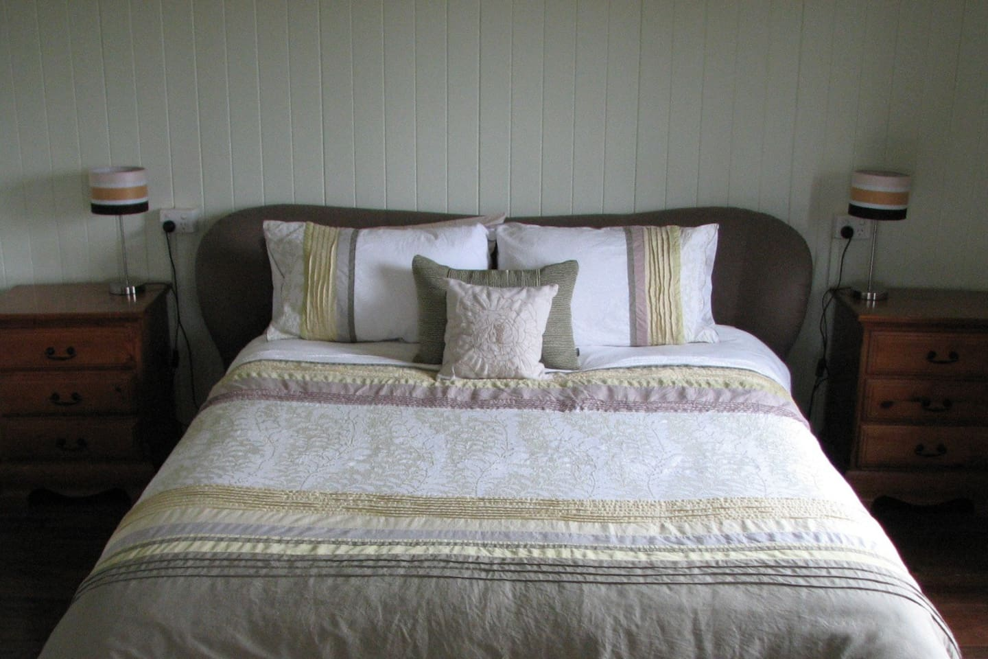 The very large main bedroom is fitted out with a queen size bed that is said to be the most comfortable nights sleep you'll ever have