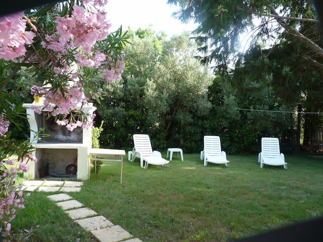 Pavillon de charme indépendant - Arborea - House