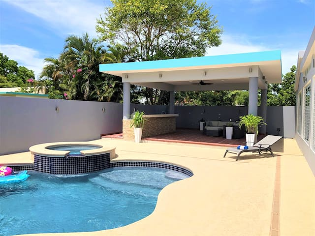 Large 5BR House: Pool, A/C, Walk to Dorado Beach!