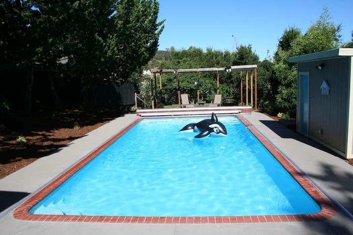 Silicon Valley Guest House with Pool - San Carlos - Konukevi