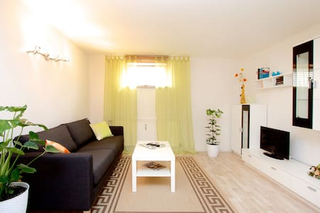 Apartment only 12 minutes to fair - Hannover