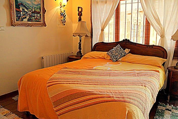 Art Room in La Alpujarra, Orgiva - Órgiva - Villa
