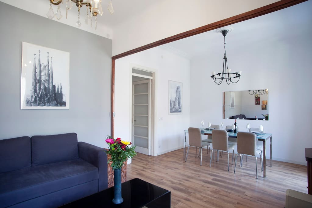 A great location for a big group with two complete apartments