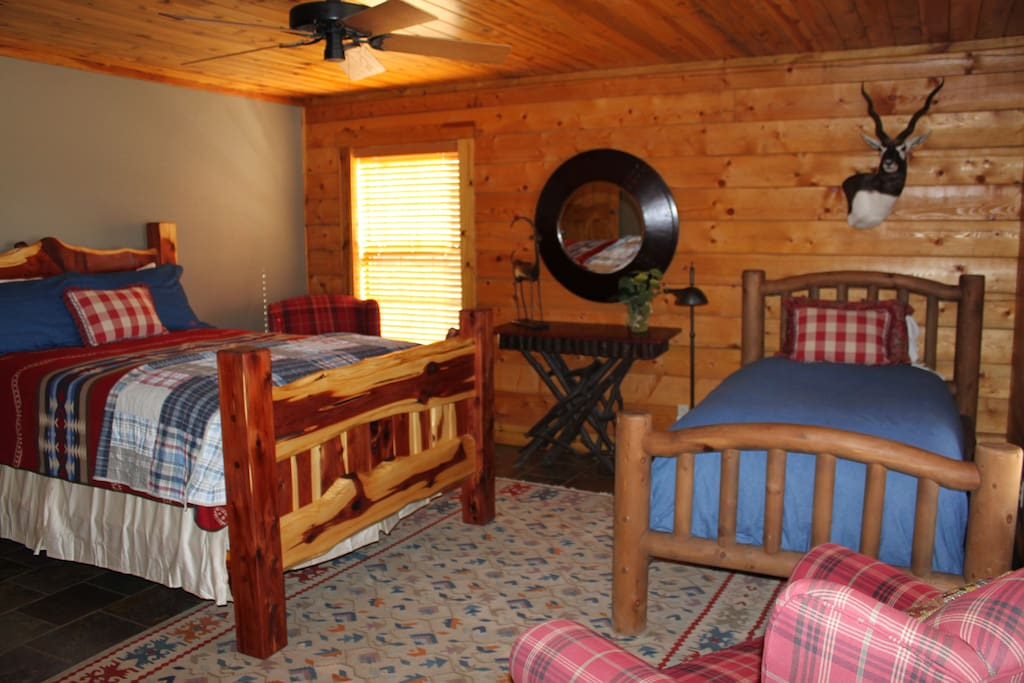 One of the 4 lodge decorated bedrooms.
