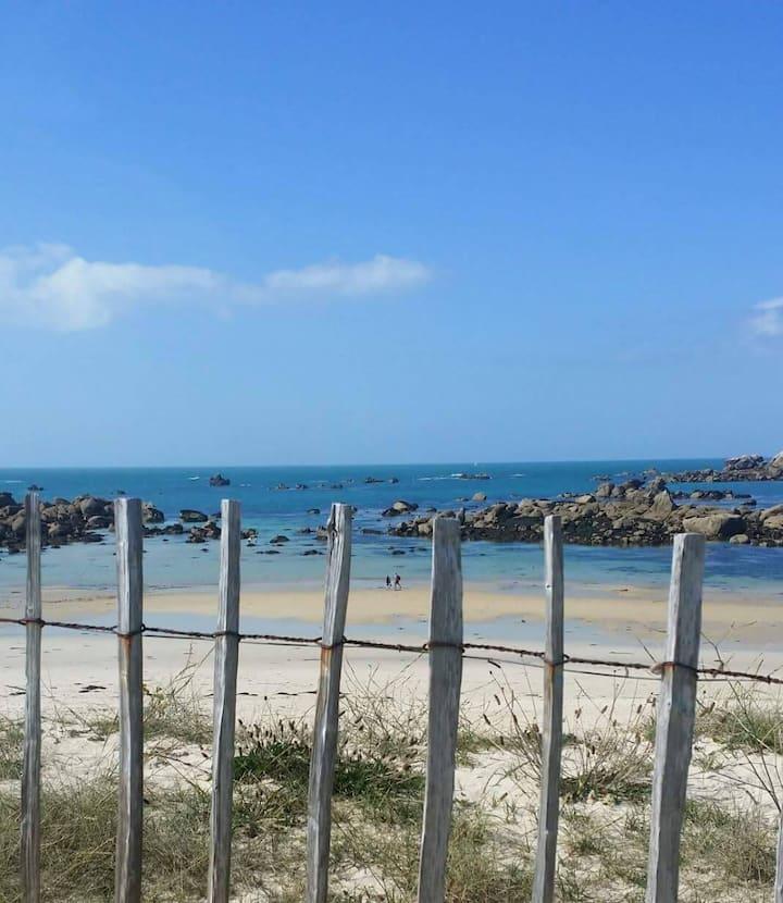 Appartement, dans villa, vue mer, plage à pieds