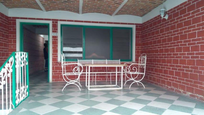 Condominio 10 personas c/4 albercas/sauna/canchas