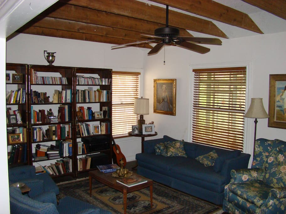 Living room of cottage with  Library