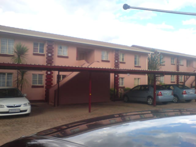 near gold reef city - Johannesburg South - Appartement