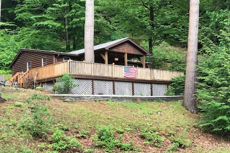Adirondack Rustic cabin with view of Hudson River