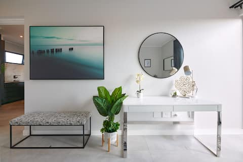 Oskido's Hyde Park Luxury Apartment