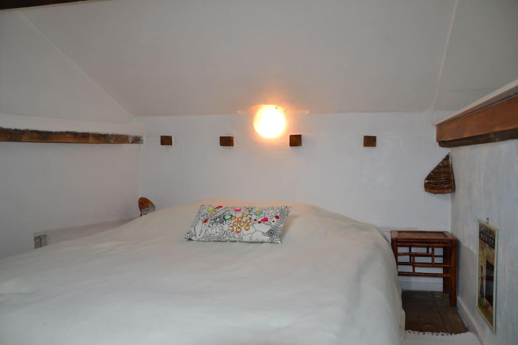 Le lit dans la mezzanine