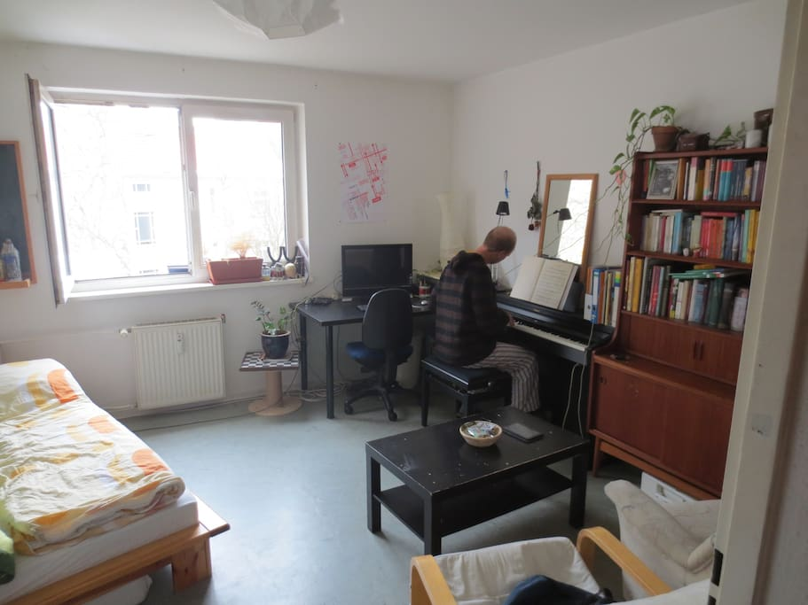 your globe trotting flat mate jan playing the piano
