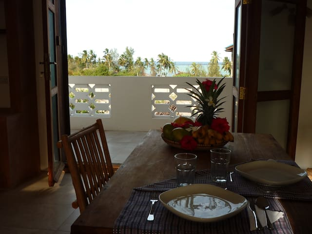 Dining with the ocean breeze!