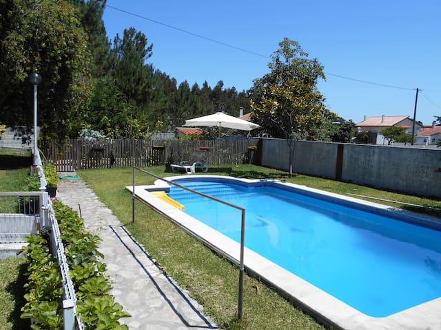 Quarto confortável em casa de campo com piscina! - Marinha Grande - Casa