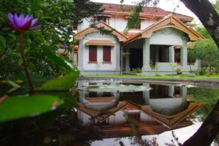 Shrawani Estate Organic Villa - Morawaka