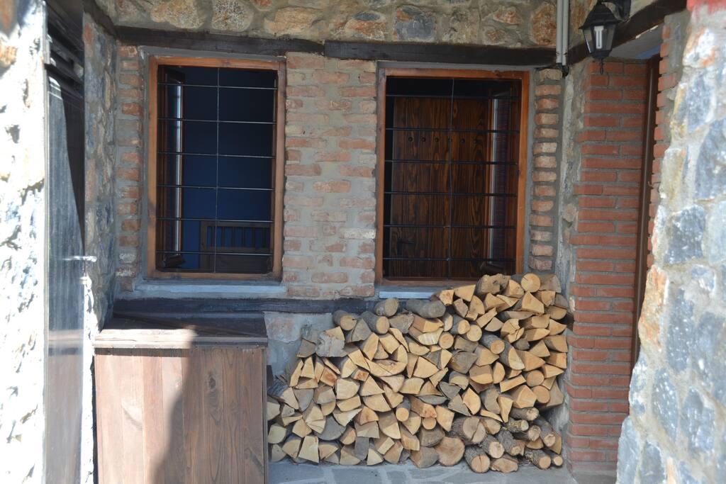Προστατευμένη είσοδος σπιτιού