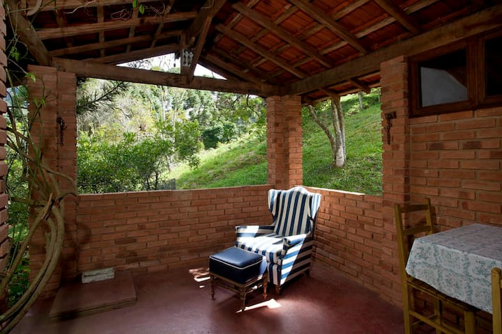 Chalé de tijolo aconchegante - Gonçalves