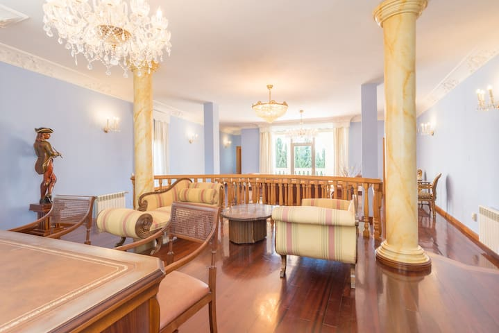 MalagaSuite Fancy House